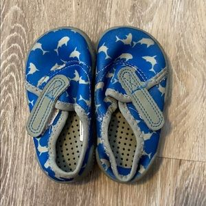 Water shoes . Wonder nation. 3 children's